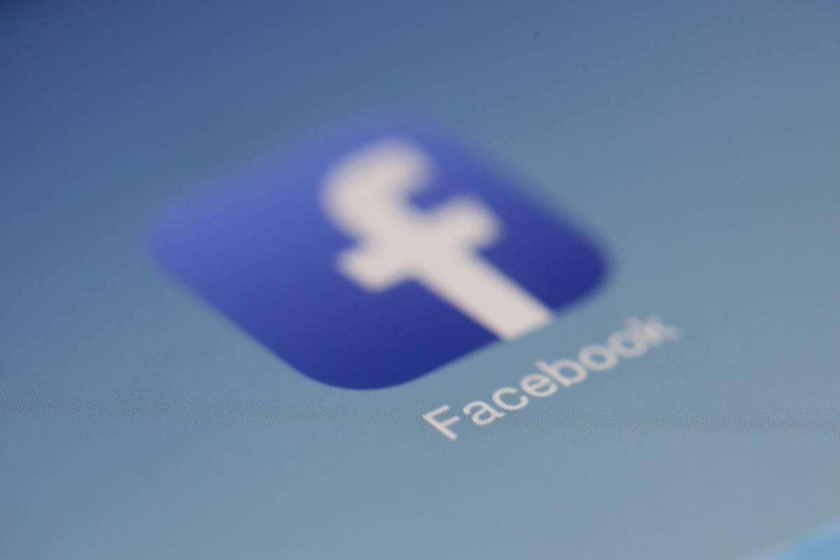 Fejsbug, czyli czym właściwie jest Fejsbuk